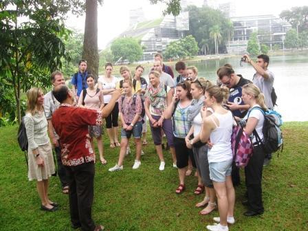 Kunjungan Dr. Burkard dan Mahasiswa German 2012