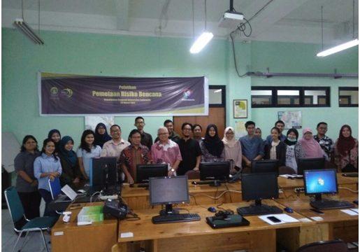 Pelatihan Pemetaan Risiko Bencana kerjasama antara PPGT UI dengan Disaster Risk Reduction Indonesia (DRRI).